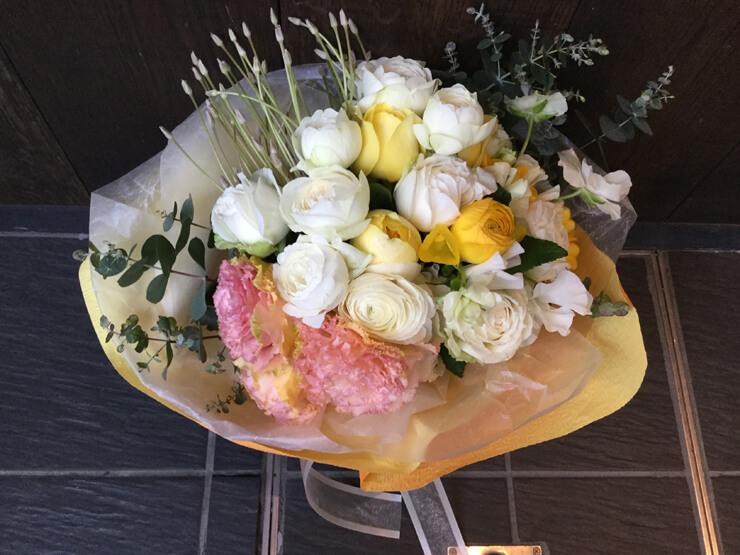 港区西麻布 レフェルヴェソンス様にお届けした花束