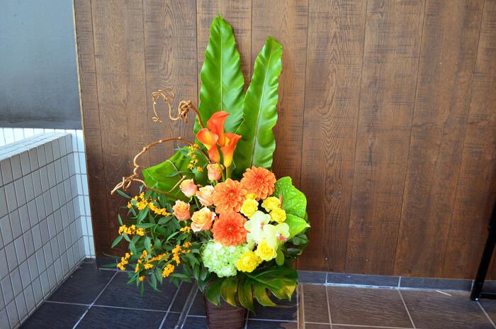 誕生日祝い花アレンジメント