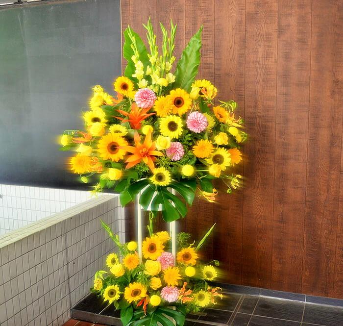 上場祝いスタンド花