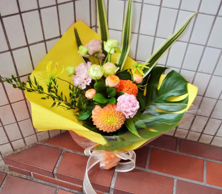 女性へのお祝い花束