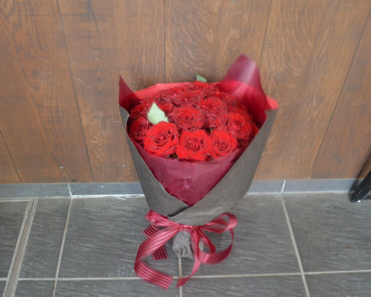 誕生日プレゼント赤バラ花束20本