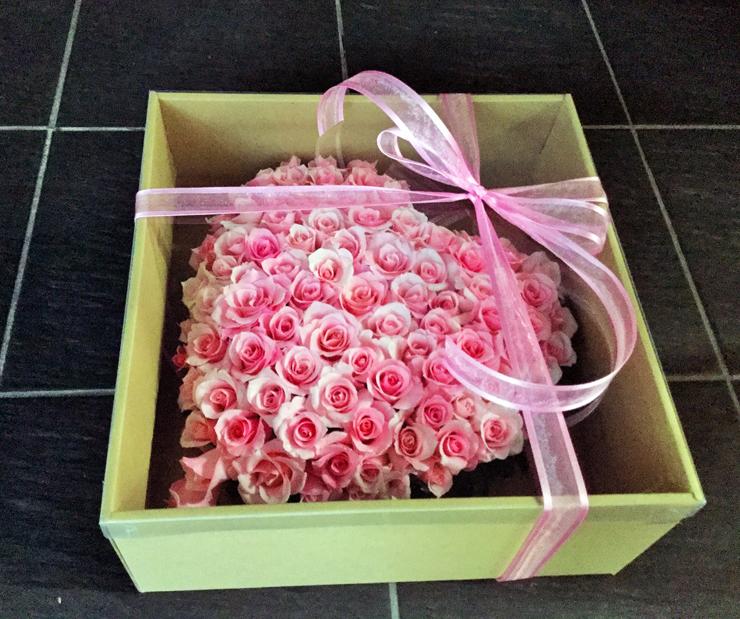 誕生日祝い花ピンクバラハート