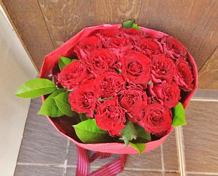 レストランお届け赤バラ花束17本