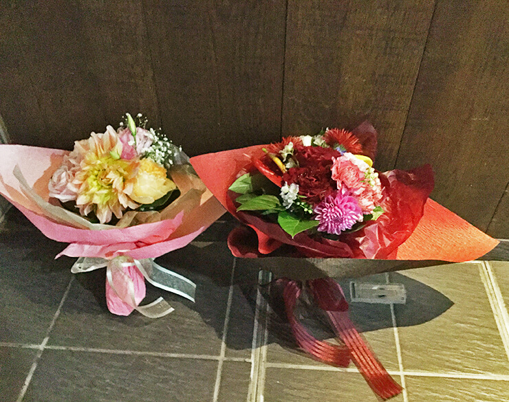 レストランお届けお祝い花束