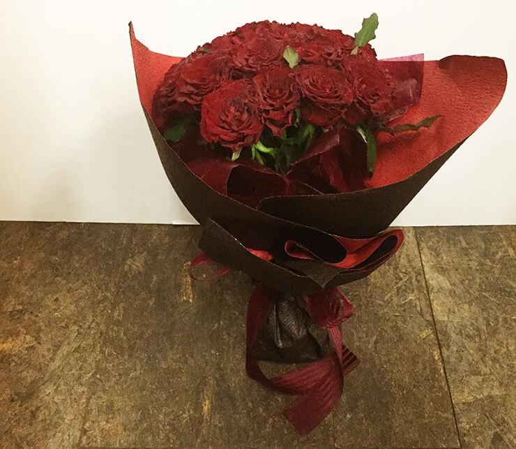 誕生日祝い赤バラ花束20本