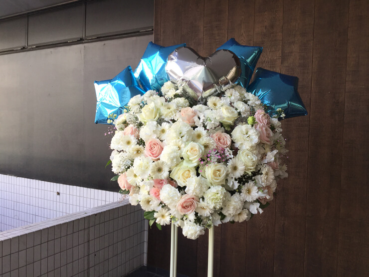新宿ReNY ADDICTION樣の公演祝いにお届けしたスタンド花