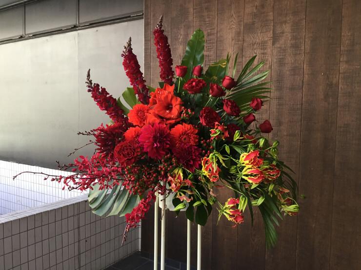 千代田区丸の内 国際フォラムC ホール様にお届けしたスタンド花