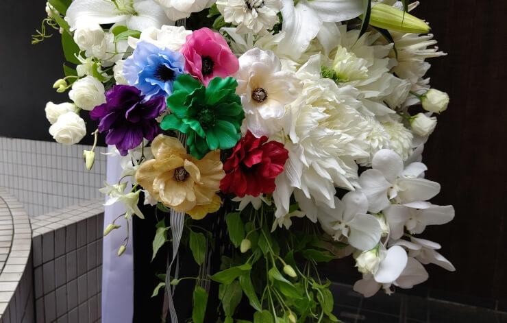 品川プリンスホテルクラブeX オフィスアネモネ御一同様の朗読劇公演祝いにお届けしたスタンド花