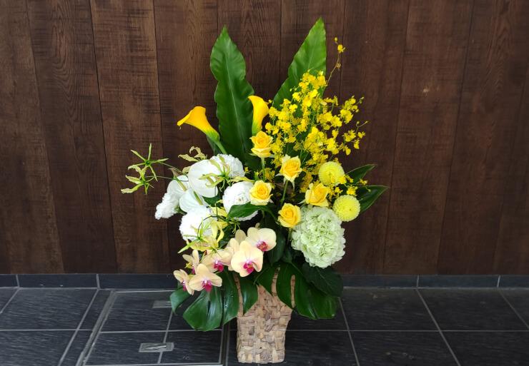 元麻布 子供と女性の歯科クリック様の周年祝いにお届けした花