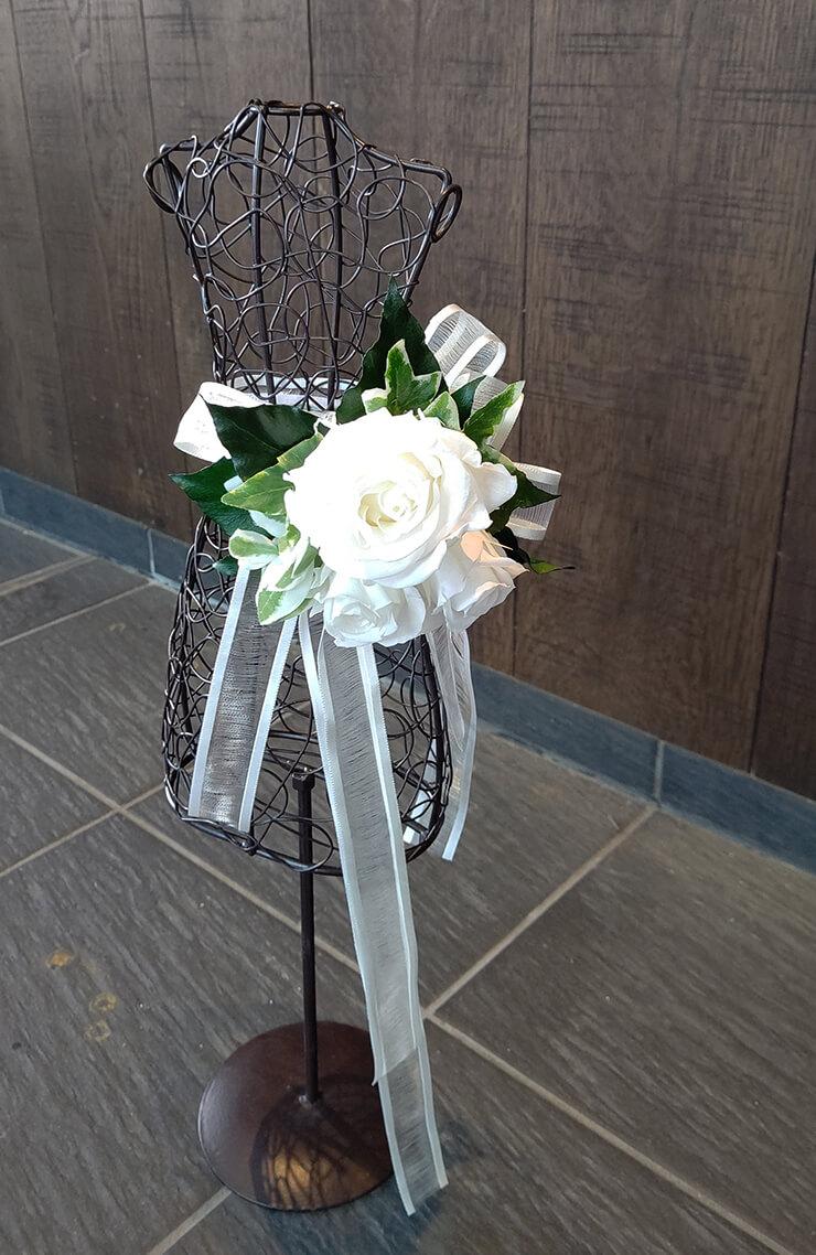 渋谷区桜丘町 zakuro糸奇はな様の個展開催祝いにお届けした花