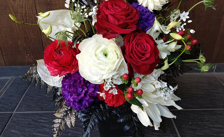 博品館劇場 長澤風海様の公演祝いにお届けした花