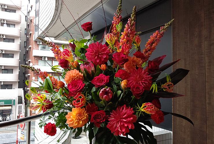 東京国際フォーラム GACKT様の公演祝いにお届けしたスタンド花