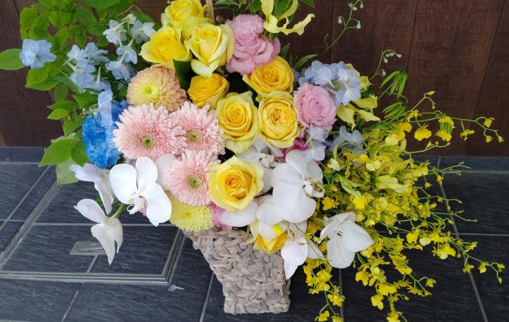 渋谷区丸山町 brandingengineer-様の上場祝いにお届けした花