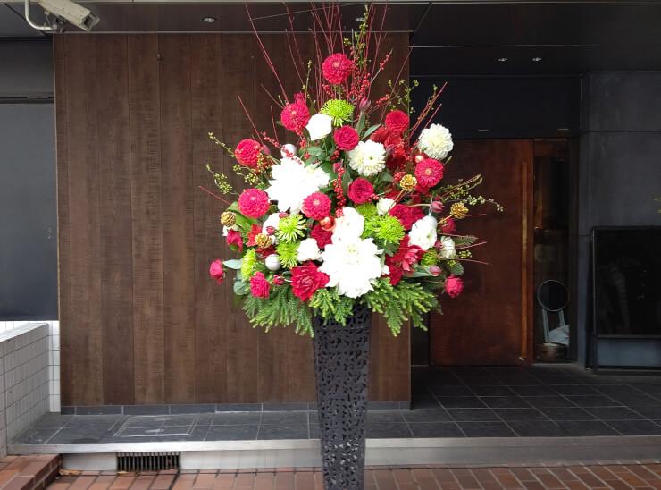 東京文化会館 小柳ゆき様のコンサート公演祝いにお届けしたスタンド花
