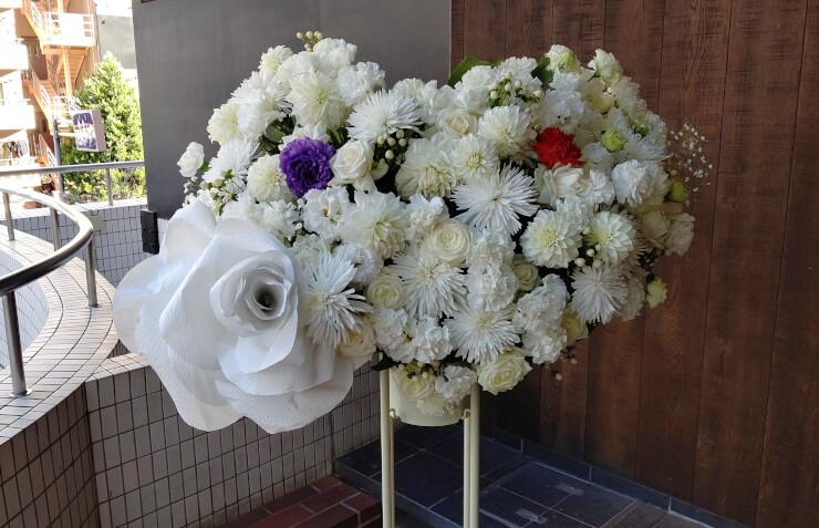 六行会ホール 田中順也様 丹波達也様のご出演祝いにお届けしたスタンド花