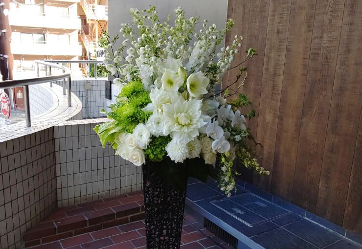伝承ホール 高松優様の公演祝いにお届けしたスタンド花