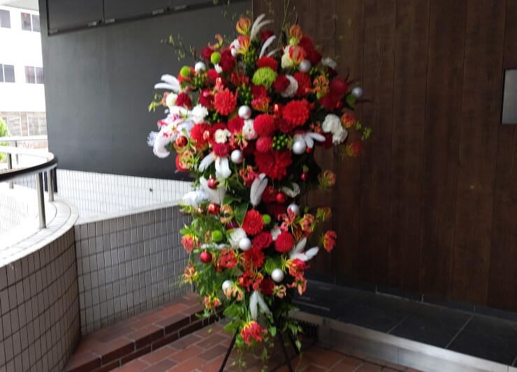 豊洲シビック センターホール コンサート公演祝いにお届けしたスタンド花2段