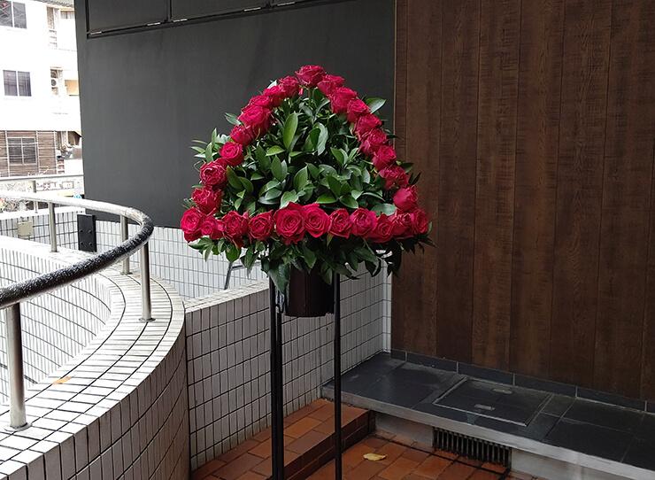 LINE CUBE SHIBUYA ゆるキャン△アコースティックバンド様の公演祝いにお届けしたスタンド花