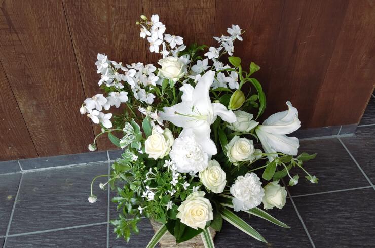六本木 有限会社VERYGOO様の周年祝いにお届けした花