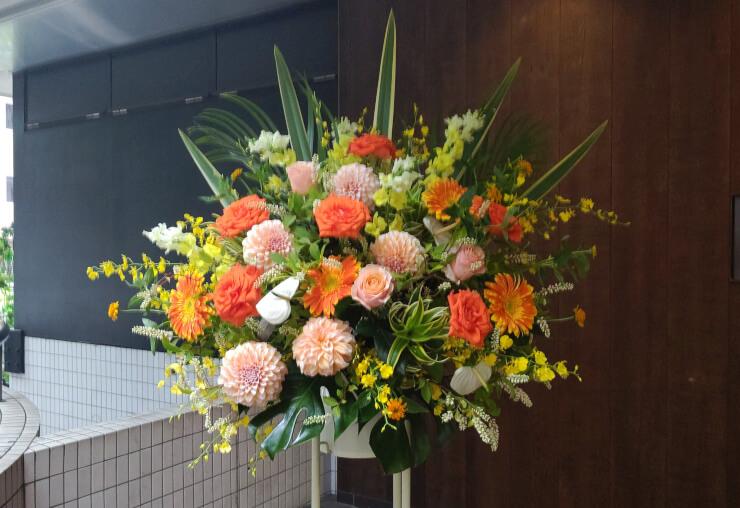 BLOW六本木様の開店祝いにお届けしたスタンド花