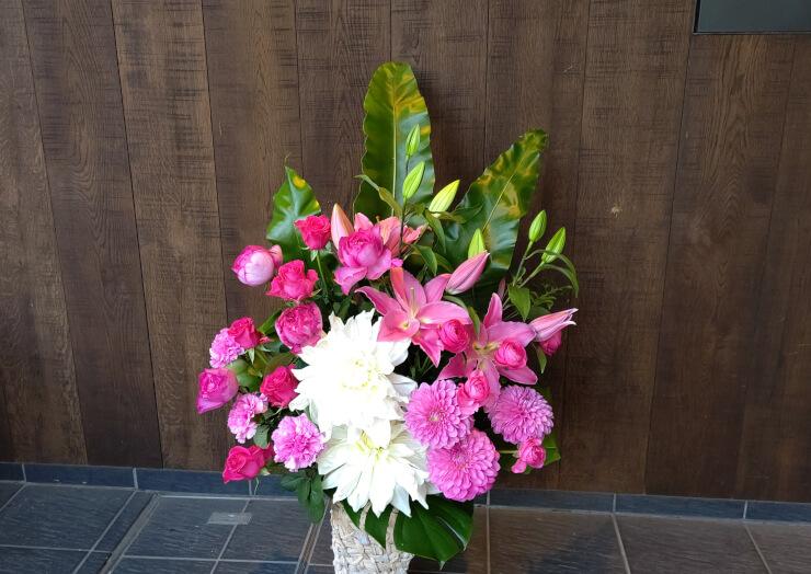 赤坂 ビッグベンセカンド八木愛様の開店祝いにお届けした花