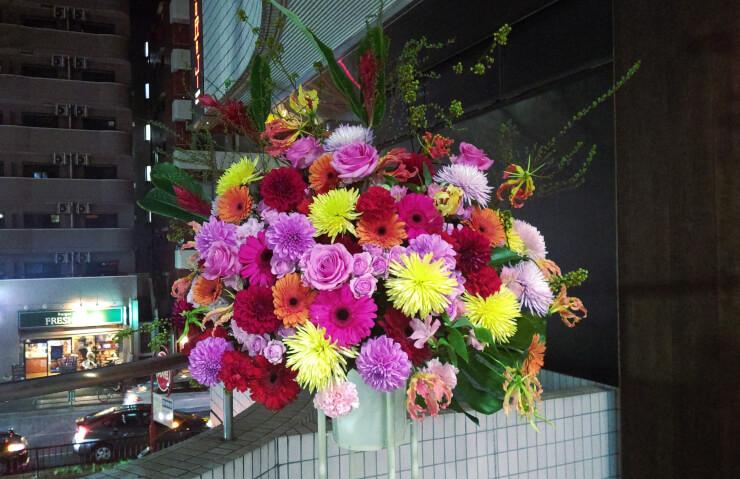 六本木MYTHOS リザ様の誕生日祝いにお届けしたスタンド花